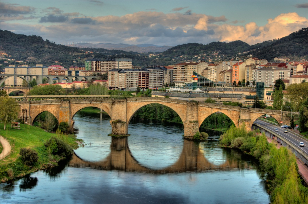 Roman_bridge,_Ourense_(Spain)